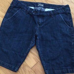 Old Navy Jean Bermuda shorts size 14
